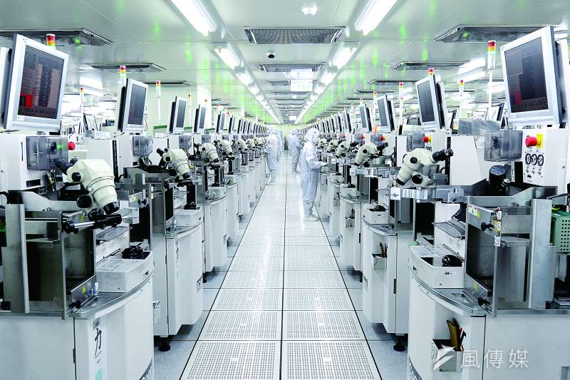 在中美科技戰的背景下,台灣半導體產業目前仍占有領先地位。(圖/日月光提供)