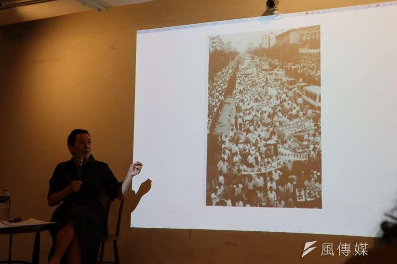 林慕蓮5月25在台北宣傳新書《重返天安門:在失憶的人民共和國,追尋六四的歷史真相》,提到成都1989年也有示威抗議。(蔡娪嫣攝)