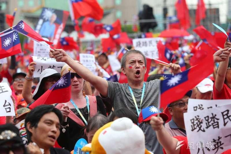 2019年6月1日,挺韓國瑜團體在凱道舉辦造勢大會(顏麟宇攝)