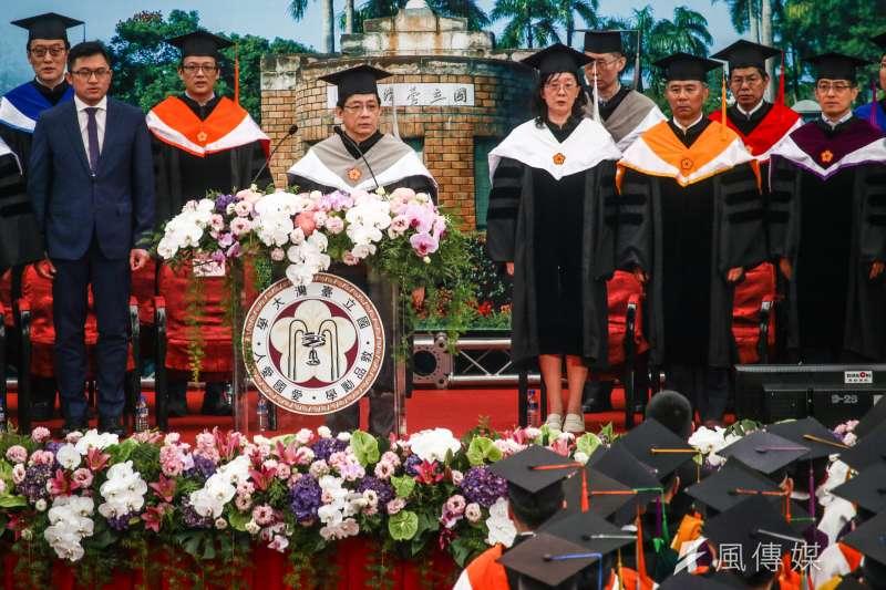 為培養國家高級人才,博士班應該也要有最低薪資概念。圖為台大畢業典禮。(蔡親傑攝)