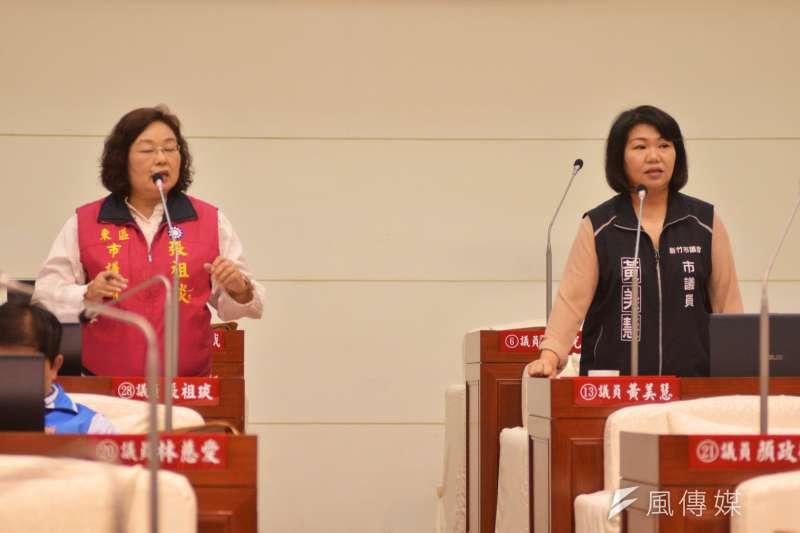 新竹市議員張祖琰(左)、黃美慧5日在市政總質詢中,聯合質詢竹市517淹水事件。(圖/新竹市議會提供)