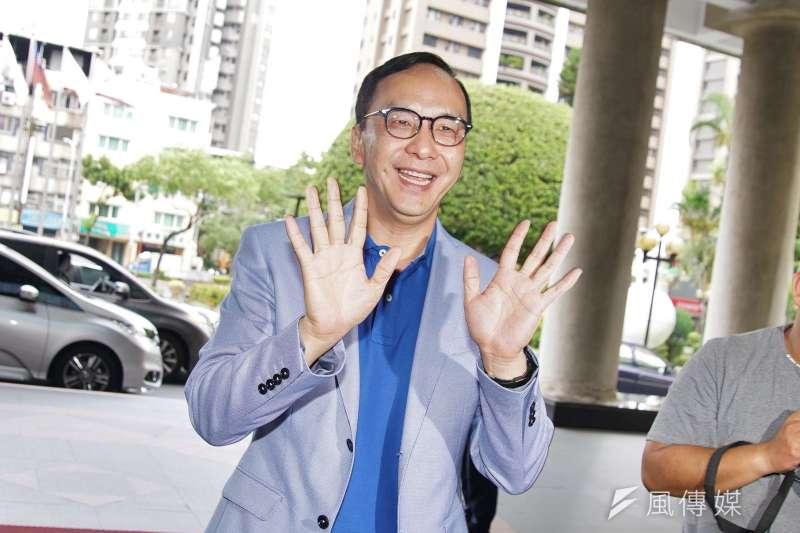 新北市議會國民黨團邀前新北市長朱立倫參加慶生會,並力挺前進總統府。(盧逸峰攝)