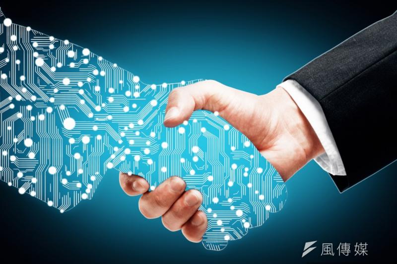 落實金融為體、科技為用,滿足客戶對金融服務需求。(Peshkova via Shutterstock)
