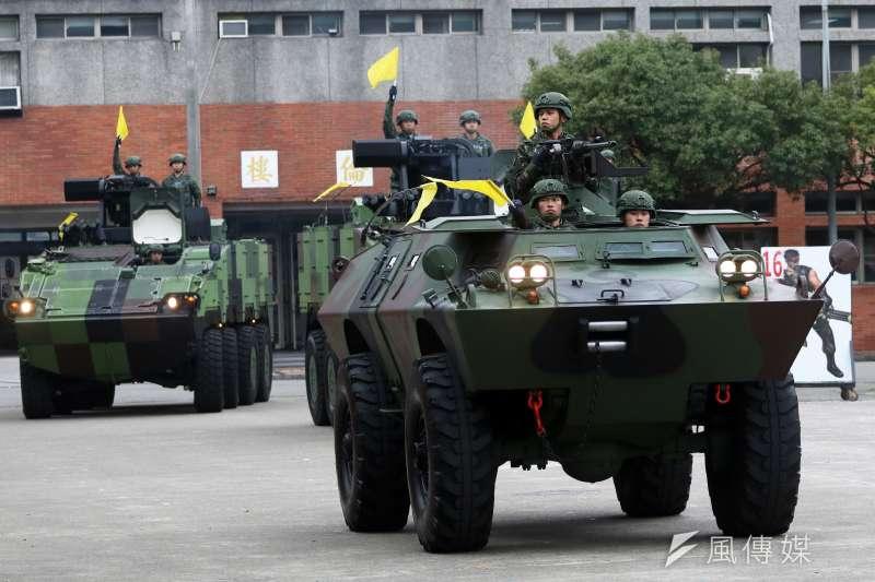 20190606_裝憲營仍有相當數量的V-150S(前)甲車服役。(資料照,蘇仲泓攝)