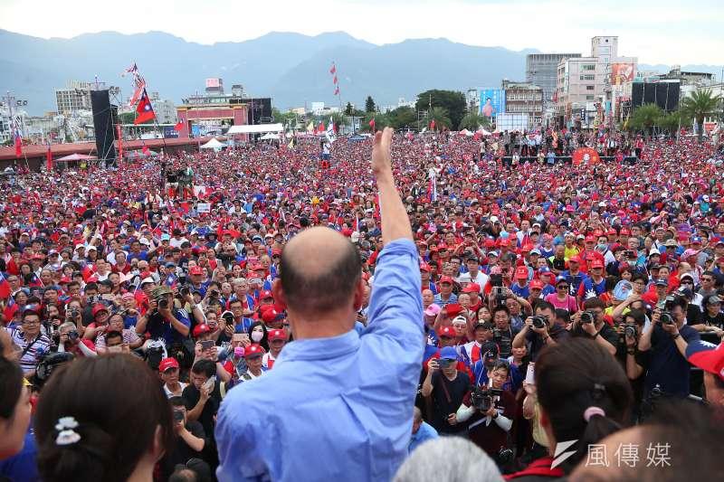 高雄市長韓國瑜原訂6月29日舉行的屏東場造勢大會,傳出因找不到合適場地決定取消。圖為韓國瑜花蓮造勢活動。(資料照,顏麟宇攝)