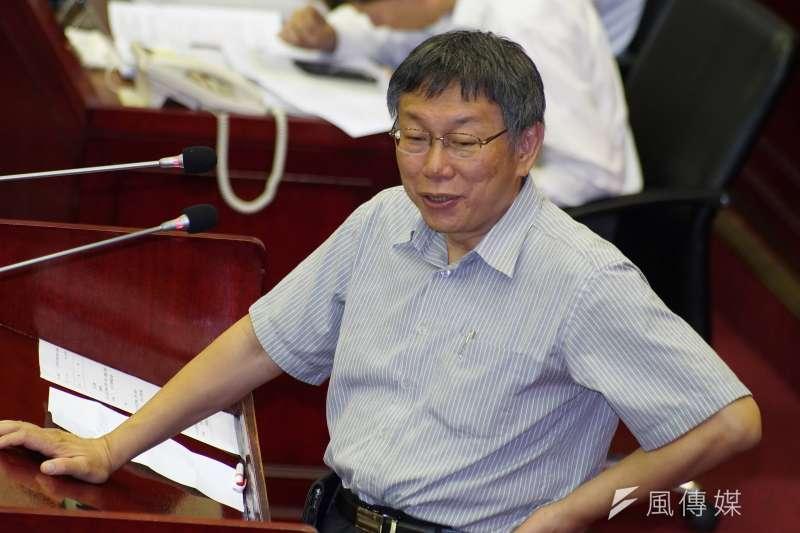 台北市長柯文哲(見圖)說,不曉得要跟黃國昌談什麼,「等我想要選(總統)再找他,沒有要選就不用浪費時間」。(盧逸峰攝)
