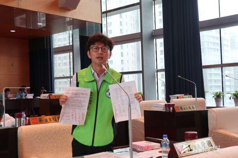 台中市議員江兆國等議員人質疑台中市府觀旅局對於春遊的補助經費推動不力。(圖/記者王秀禾攝)