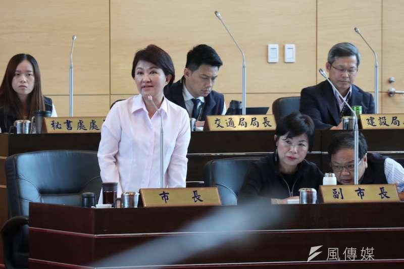 台中市長盧秀燕答覆議員質詢有關於二行程機車的汰換補助情形。(圖/記者王秀禾攝)