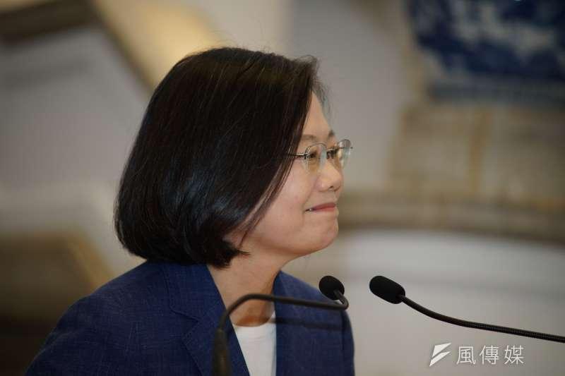 初選勝出後,總統蔡英文總統於總統府內針對香港的反送中遊行發表談話。(盧逸峰攝)