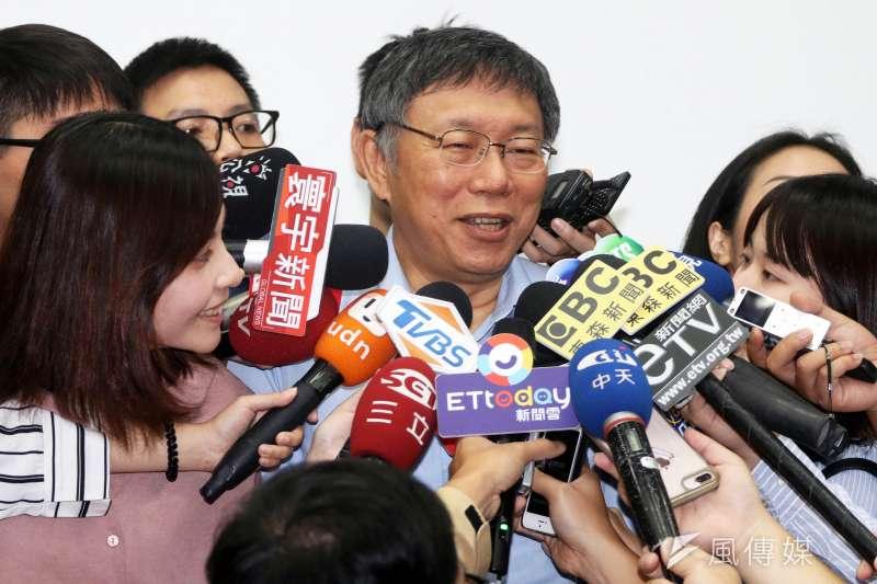 台北市長柯文哲14日接受媒體訪問。(方炳超攝)