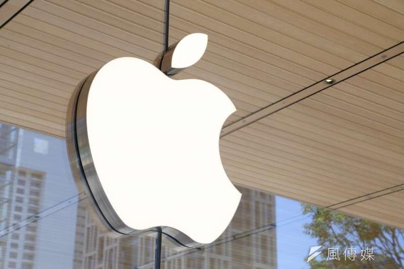 蘋果和高盛集團合作推出主打不收服務費、提供現金回饋的信用卡「Apple Card」;此外,也傳出蘋果搶先迪士尼(Disney)推出影音串流服務「Apple TV+」。(資料照,顏麟宇攝)