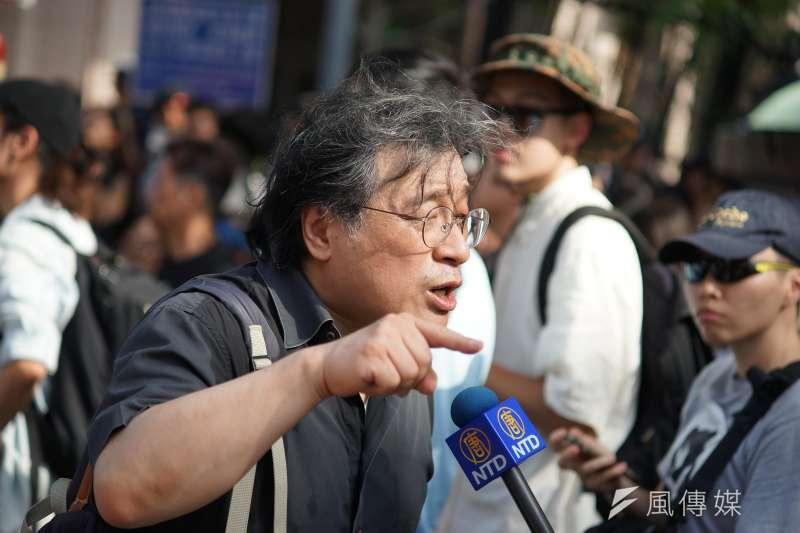 中研院學者吳叡人(見圖)表示,「我們明年把國民黨跟無恥賣台政客掃進歷史灰燼中!」(盧逸峰攝)
