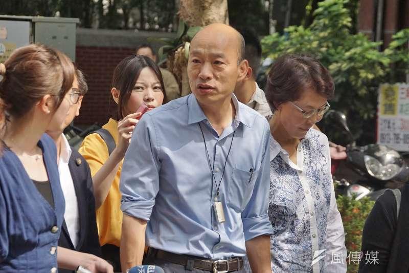高雄市長韓國瑜(前中)說會派代表去監督初選5家民調,他還說「民調若讓人懷疑,對國民黨的選情是重傷害。」(資料照,盧逸峰攝)
