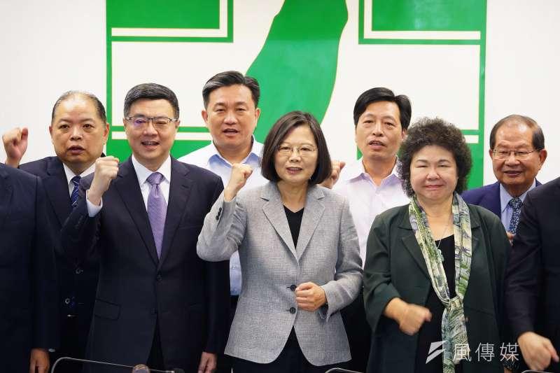 「韓流」驚人,民進黨、蔡英文總統也要拿「亡國」下重手,大修「國安五法」。(盧逸峰攝)