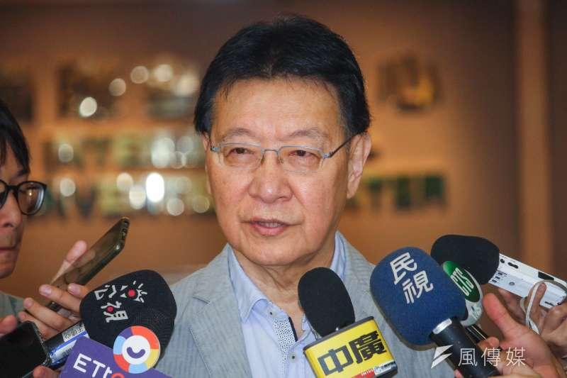 中廣董事長趙少康出席黨產會「中廣案」聽證會,並於會前說明立場。(蔡親傑攝)