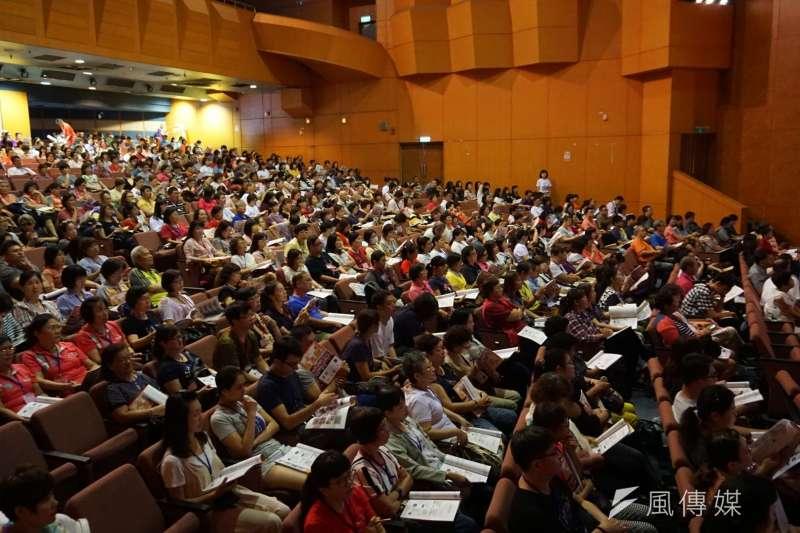大膽嘗試「勞工+志工」組合,是勞工局開局以來頭一次,首場就吸引近700位民眾參加報名。(圖/徐炳文攝)