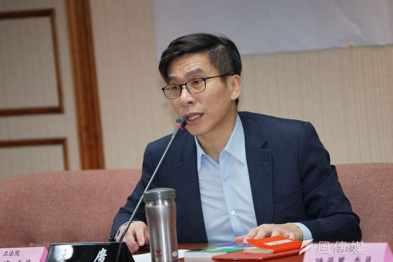 民進黨立委鍾佳濱(見圖)11日在網路政論節目上澄清,表示黨內絕不會將疫情發展與罷韓相互連結,進行其他盤算。(資料照,盧逸峰攝)