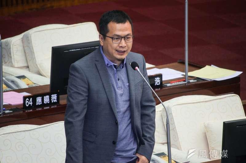 20190624-台北市議員羅智強24日於市議會對市長進行質詢。(蔡親傑攝)