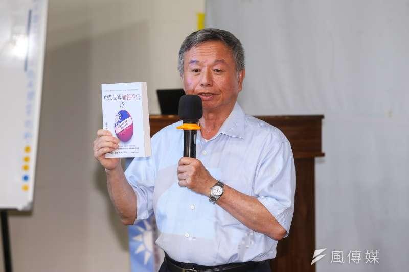 前衛生署長楊志良提出中華民國有四大問題:生活痛苦、人才匱乏、國破家亡、不公不義。(顏麟宇攝)