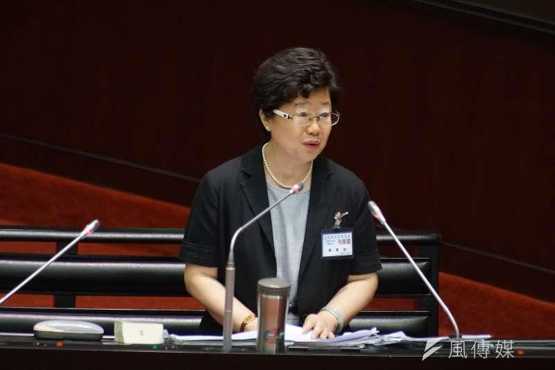 台灣是國家嗎?大法官被提名人楊惠欽表示,「我們是中華民國」,台灣應該是沒有出現在憲法內。(盧逸峰攝)