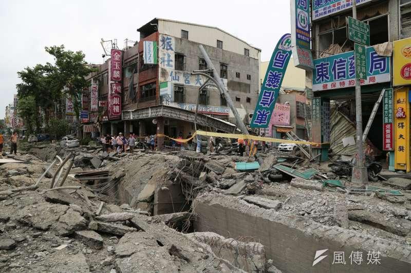20140801-SMG0019-077-高雄大氣爆第一天,三多一路與武慶三路口-余志偉攝