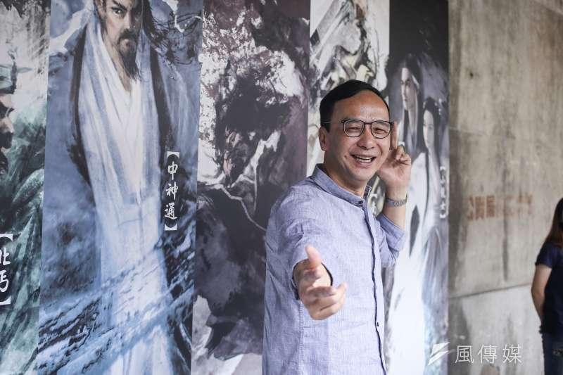 前新北市長朱立倫26日參觀「金庸武俠- 華山論劍」特展。(陳品佑攝)