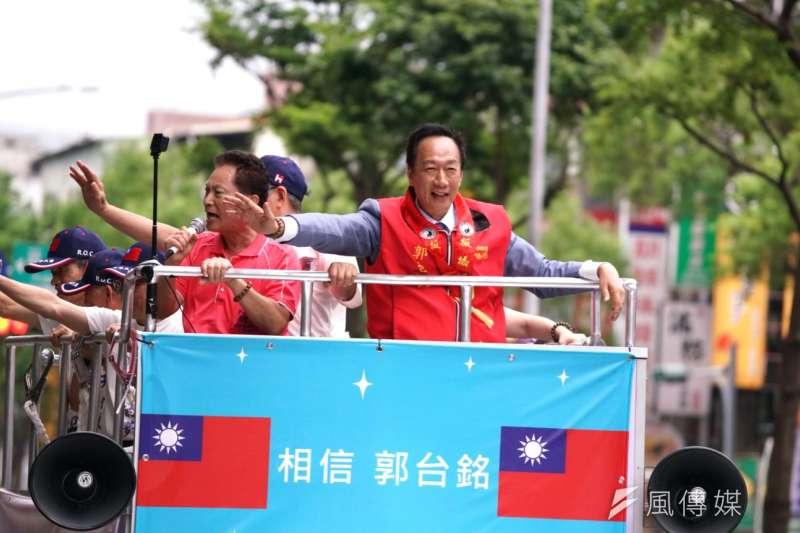 20190630-國民黨總統初選參選人郭台銘在板橋街頭遊街造勢。(盧逸峰攝)