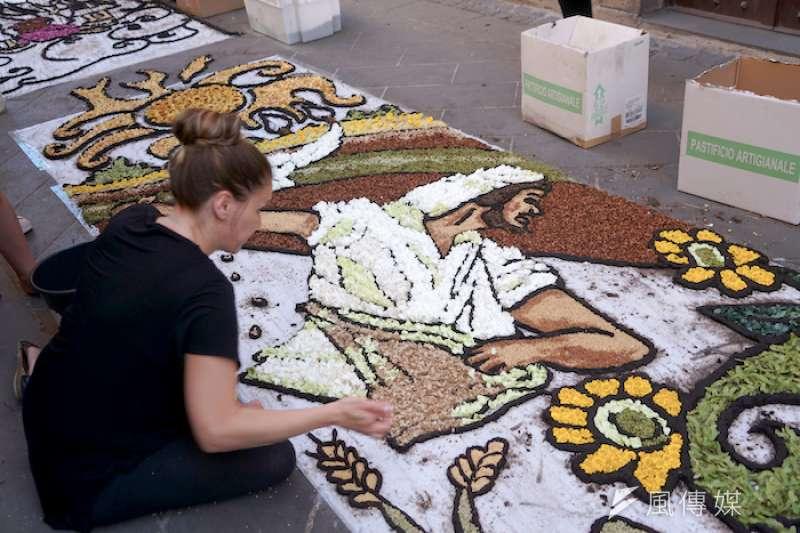 波額塞納以花毯慶祝的聖體聖血節波額塞納以花毯慶祝的聖體聖血節