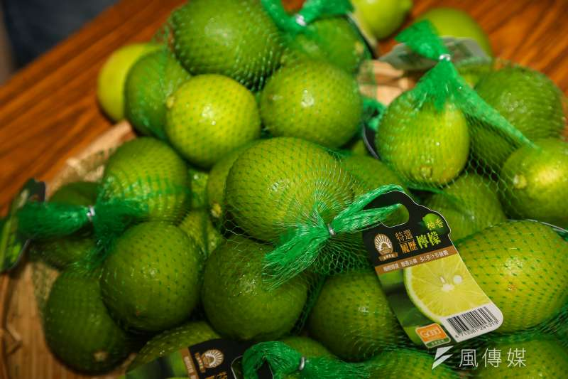 台灣事實查核中心發布報告,指出內容農場文章中,宣稱檸檬可消除囊腫和腫瘤、殺死癌細胞等內容錯誤,判定此傳言為「錯誤」訊息。(資料照,顏麟宇攝)