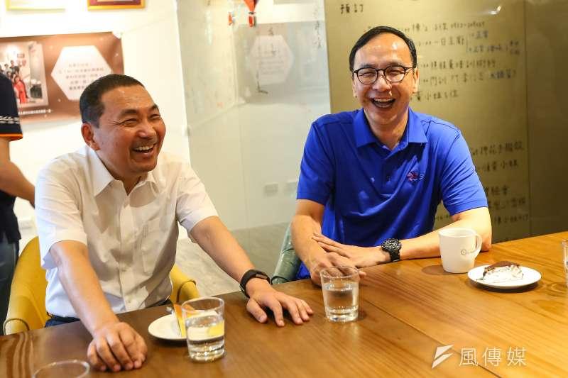 國民黨主席選舉戰情白熱化,新北市長侯友宜(左)是否表態挺前主席朱立倫(右),備受關注。(資料照,顏麟宇攝)