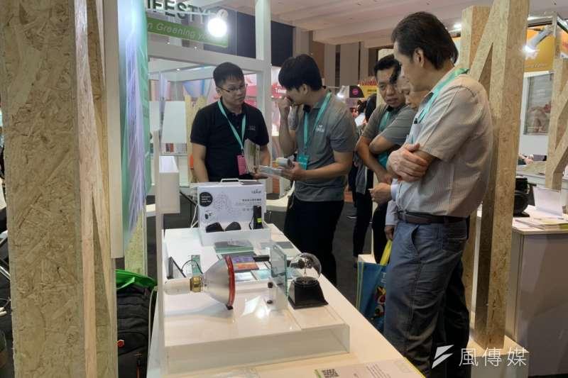 20190706-馬國買主了解台廠產品情況。(尹俞歡攝)