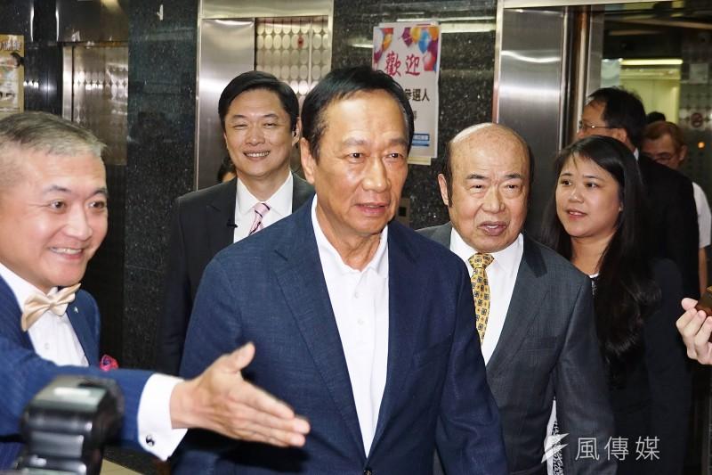 20190708-國民黨總統初選參選人郭台銘參訪1111人力銀行。(盧逸峰攝)