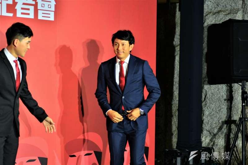 川崎宗則以客座教練的身分加入味全龍,未來也有機會以球員身分上場傳承經驗。 (金茂勛攝)