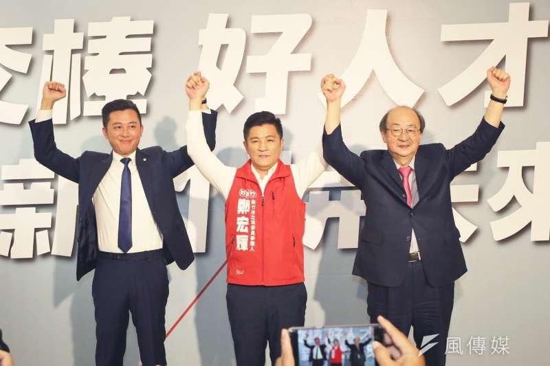 民進黨竹市鐵三角包括新竹市長林智堅(左起)、立委參選人鄭宏輝及柯建銘總召,將攜手征戰2020竹市立委選戰。(圖/方詠騰攝)