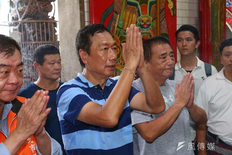 20190713-國民黨總統初選參選人郭台銘13日於台北市信義區、大安區進行掃街拜票。(顏麟宇攝)