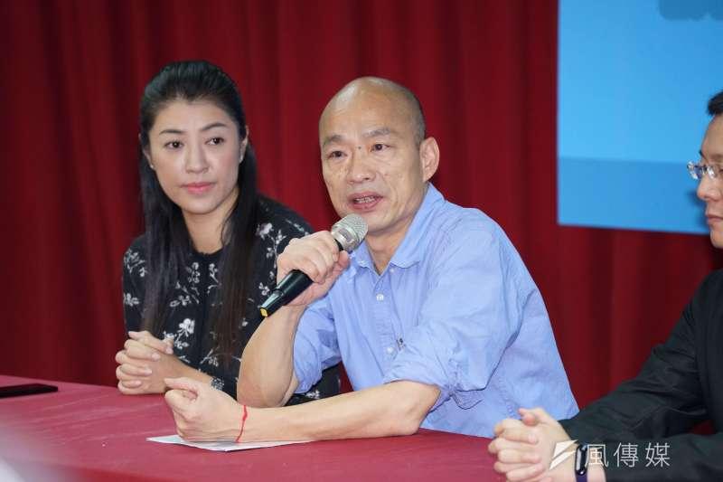 高雄市長韓國瑜(右)中午先拜會朱立倫,下午隨即見前國民黨主席連戰。(盧逸峰攝)