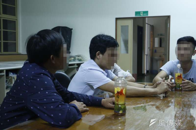 20190717-羿雯專題-台塑越南河靜煉鋼廠(越鋼)污染案,受災民原告:阿南(左一)、阿世(左二)。(廖羿雯攝)