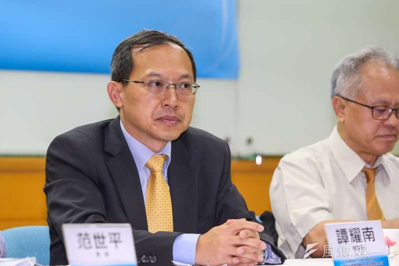 20190717-兩岸政策協會理事長譚耀南17日舉行「近期兩岸議題與2020總統大選投票意向民調」座談會。(顏麟宇攝)