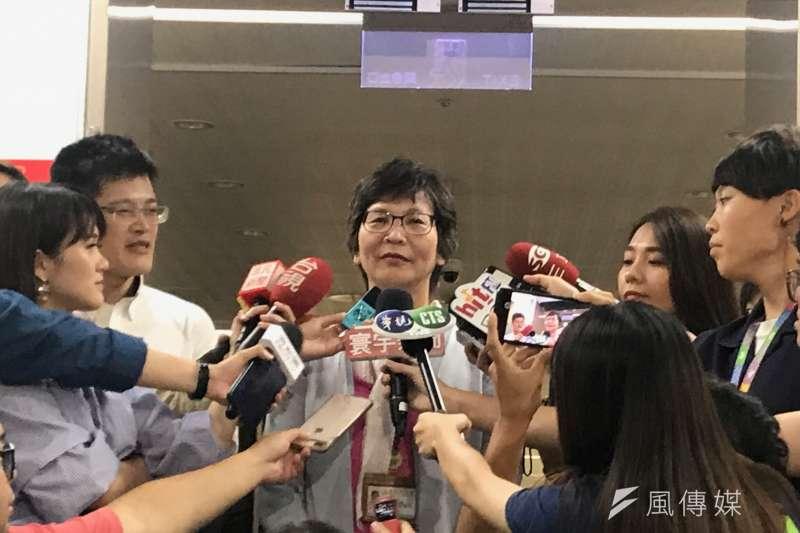 台北市政府顧問蔡壁如傳與媒體高層餐敘,她今天下午出面受訪時說,「這是個誤會」。(方炳超攝)
