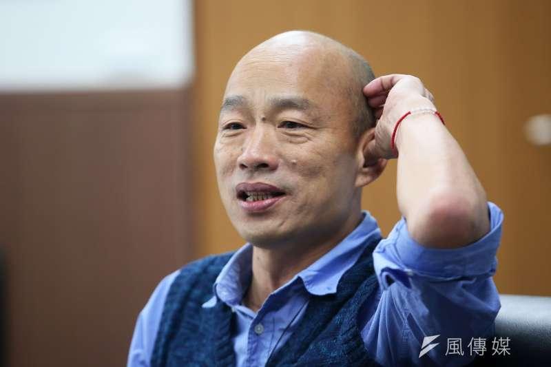 鴻海集團創辦人郭台銘建議高雄市長韓國瑜(見圖)離旺中集團董事長蔡衍明「遠一些」。對此,韓國瑜表示,對每個人都要多聯繫來往,「這又不是三角戀愛」。(林瑞慶攝)