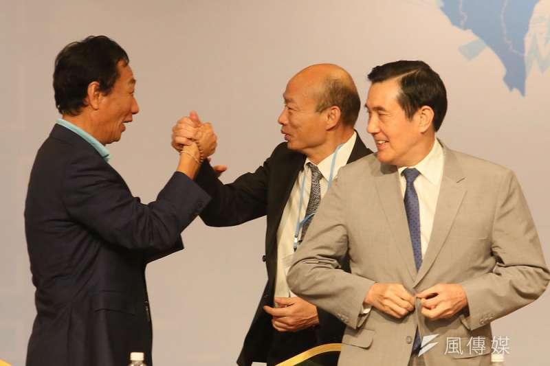 韓國瑜(中)要拉攏郭台銘(左),恐怕要和旺中保持距離。(柯承惠攝)