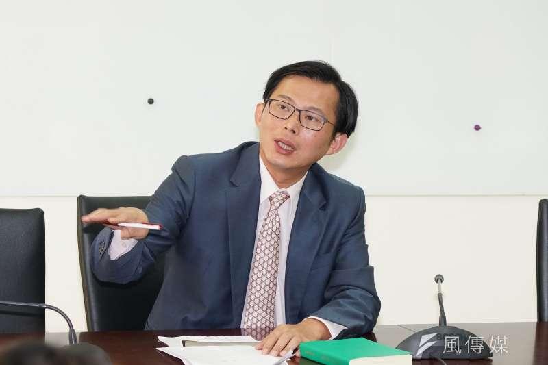 時代力量立委黃國昌表示,他已無法獨自在立法院再幹4年,需要有支能一起打倒惡魔黨的戰鬥團隊,和他共同進入國會。(資料照,盧逸峰攝)