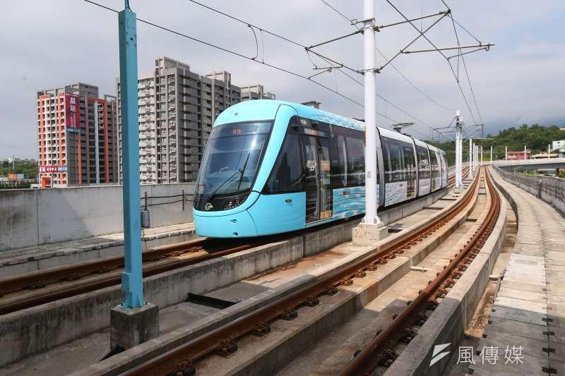 交通部舉辦17日「R-TEAM鐵道科技產業聯盟成立大會」,根據「R-TEAM」統計,輕軌系統建設為例,核心機電的國內廠商占比已接近5成,逐漸實現輕軌國產化目標。(顏麟宇攝)