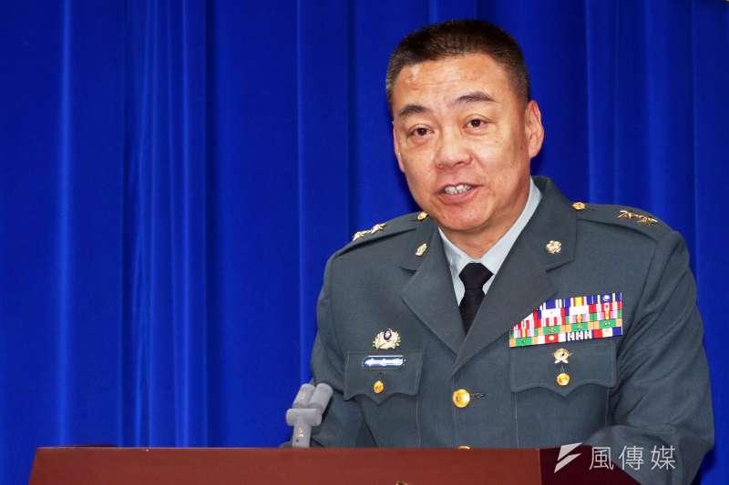 針對空軍多架次F-16戰機在東部海域執行對海攻擊演練,訓練次長李兆明中將(見圖)30日列席國防部記者會進行說明。(蘇仲泓)