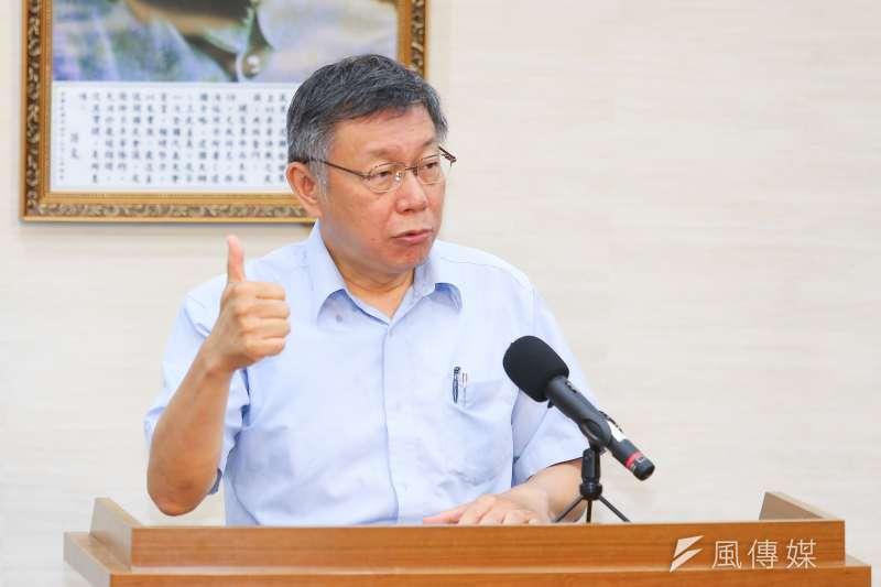 台北市長柯文哲針對組黨事宜接受媒體聯訪。(顏麟宇攝)