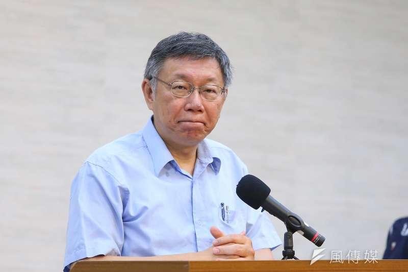 台北市長柯文哲確定籌組台灣民眾黨,政治大學教授、作家陳芳明以「台北大巨蛋」來比喻,質疑他是否要把台北的問題,變成全國的難題?(顏麟宇攝)