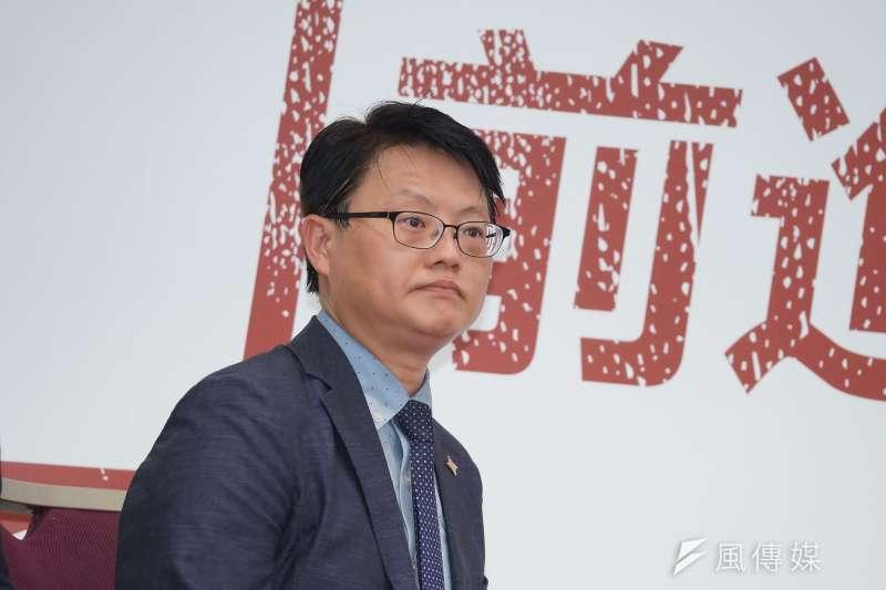 20190805-民進黨與基進黨聯合召開記者會,基進黨主席陳奕齊出席。(盧逸峰攝)