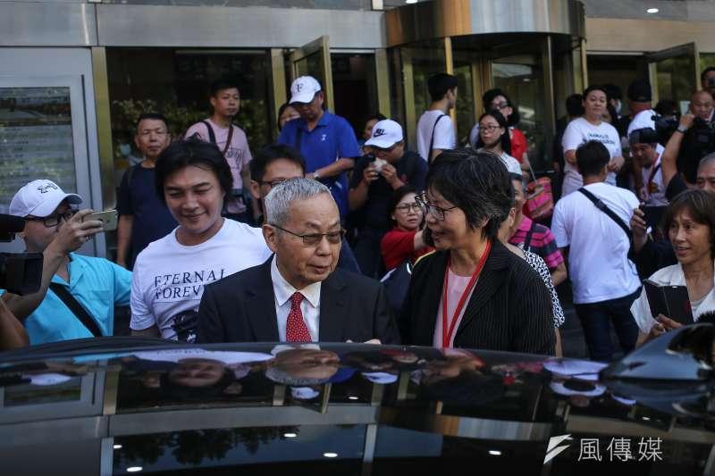 20190806-台灣民眾黨創黨大會外,蔡璧如與朱樹勳。(陳品佑攝)