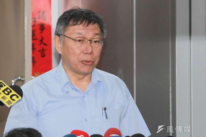 台北市長柯文哲6日上午在台北市政府接受訪問。(方炳超攝)