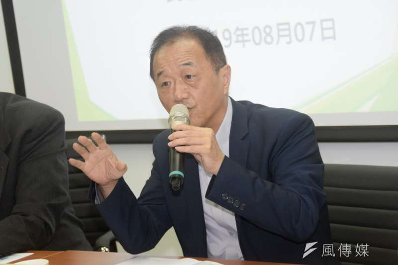 台灣制憲基金會執行長林宜正認為「護憲保台」不切實際,作者則認為「制憲」才不切實際。(吳俊廷攝)